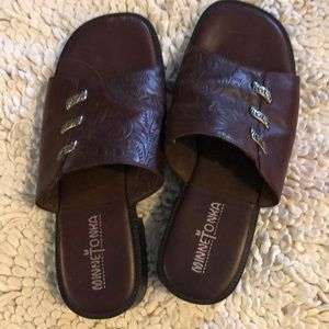 Minnetonka Tooled Leather Sandals size 5/6